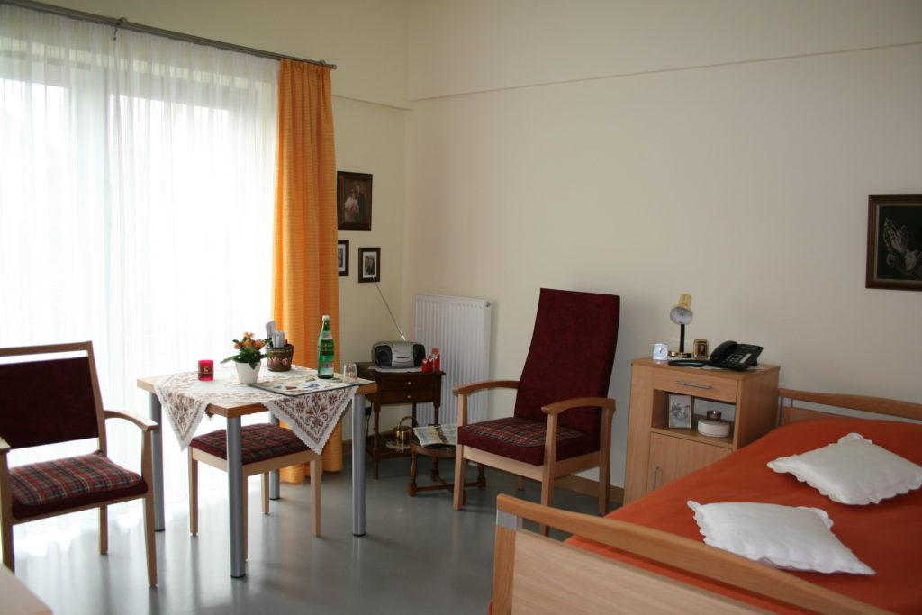 Bewohnerzimmer Ev. Altenheim Lohmar